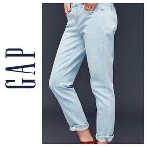 GAP Girlfriend Color Soft Jeans